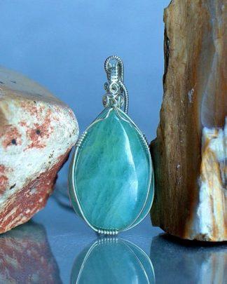 Aquamarine necklace, silver set green crystal