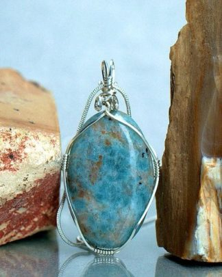 Stone to cease anger, Kyanite necklace pendant