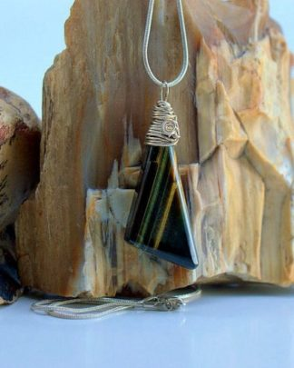 Tiger eye pendant modern style gemstone necklace
