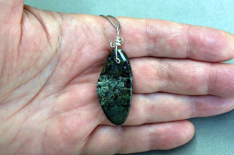 Designed gemstone pendant, silver set Dallasite