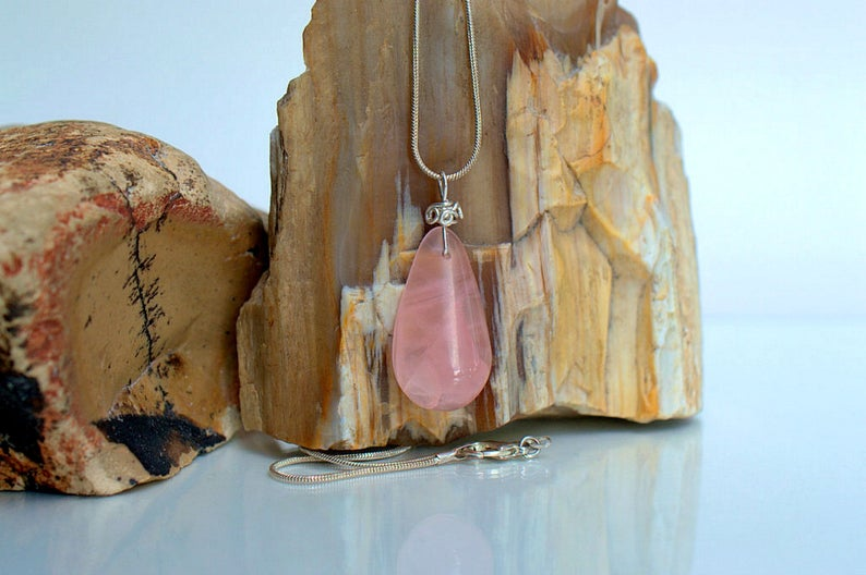 Transparent crystal Rose quartz pendant necklace