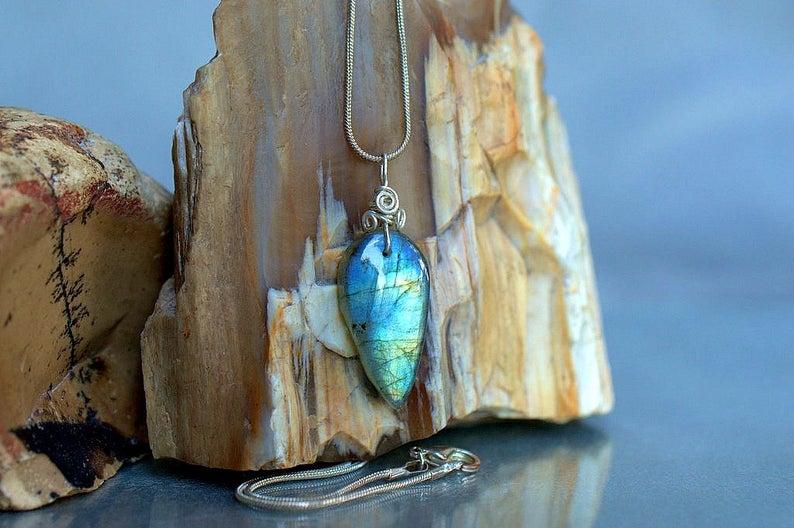Blue flash stone, Labradorite charm pendant