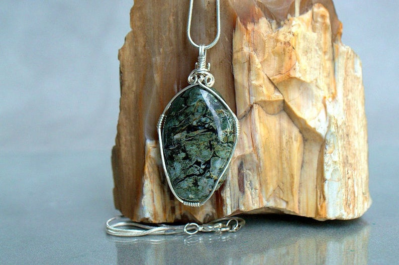 Exceptional jasper, Dallasite necklace pendant