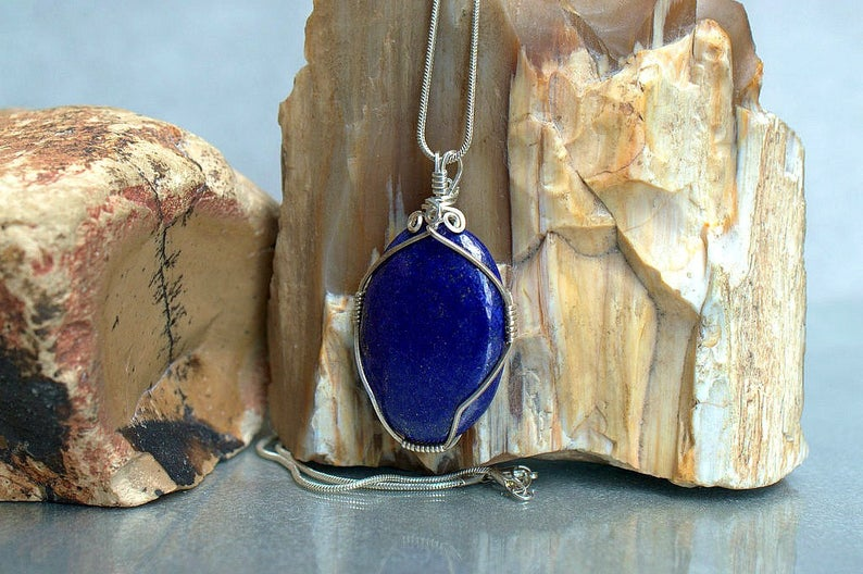 The crystal of truth, Lapis Lazuli necklace