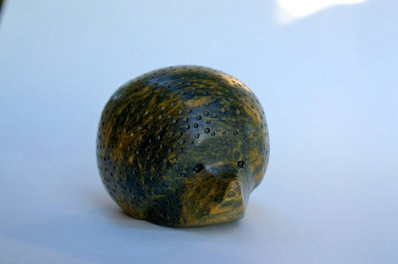 Hedgehog figurine, deep green, soapstone carving