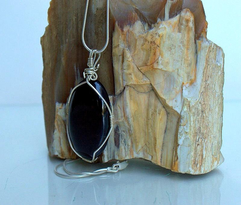 Nephrite mineral, black Jade oval shape pendant