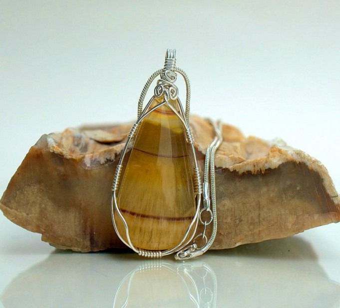 Yellow fluorite crystal necklace, design pendant
