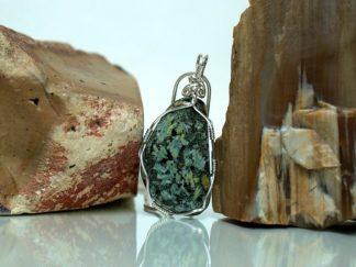 Flower stone pendant