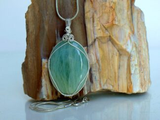 Silver set green Aquamarine gemstone pendant
