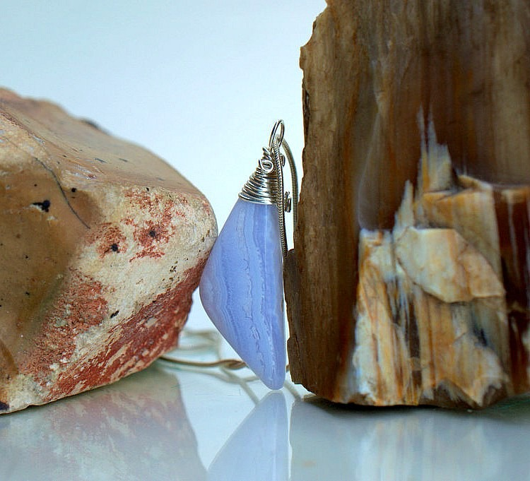 Silver set gemstone, blue lace agate necklace