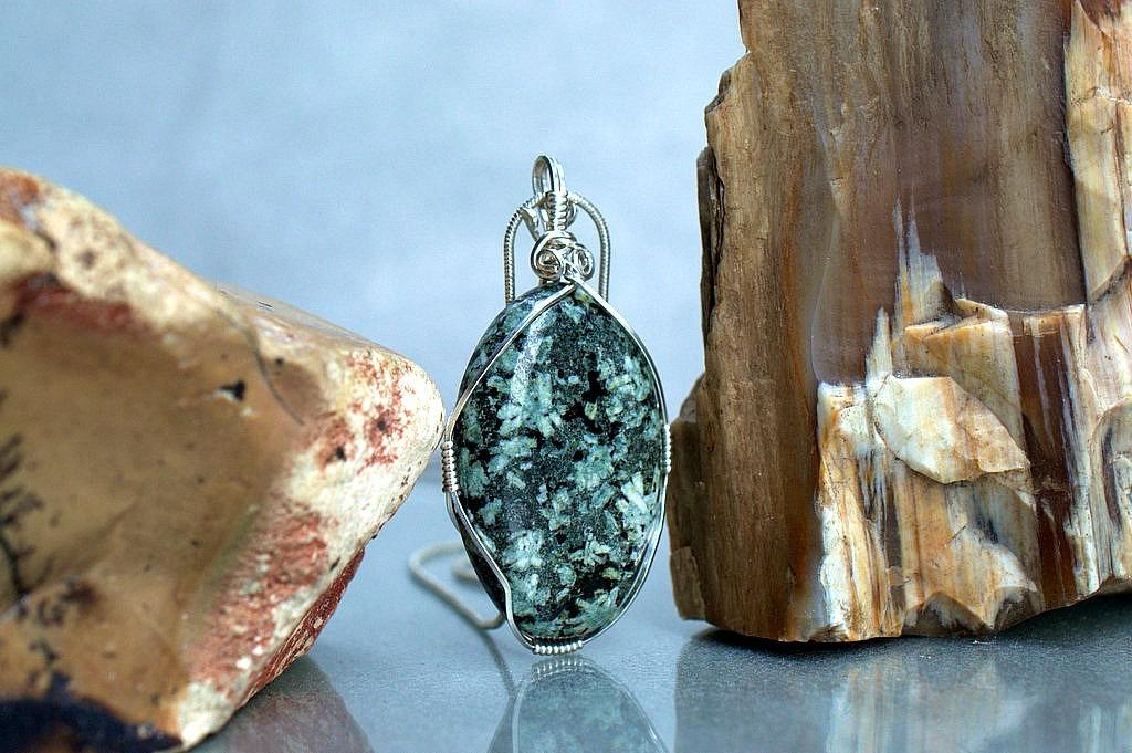 flower pattern stone