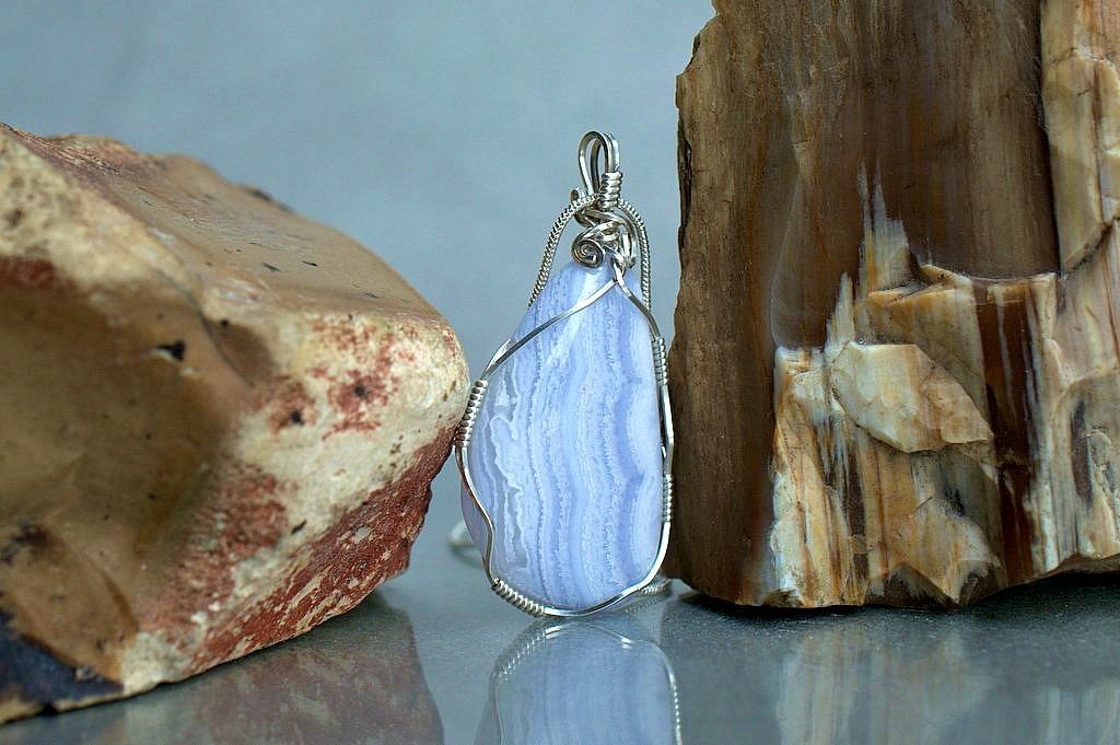 blue agate gemstone