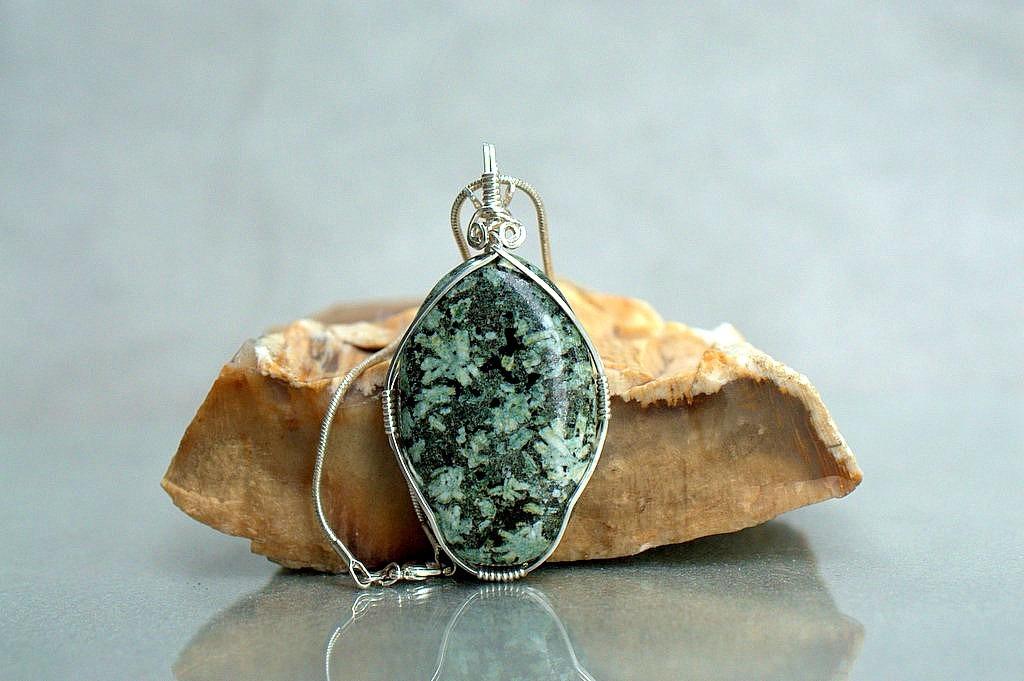 oval shape stone
