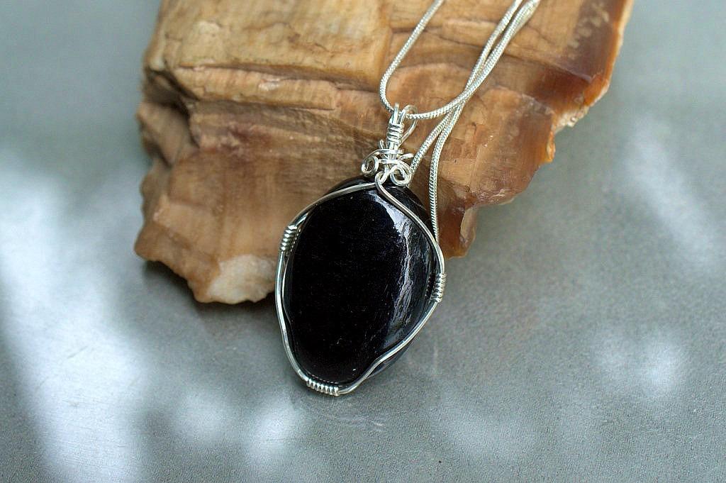 oval shape black tourmaline