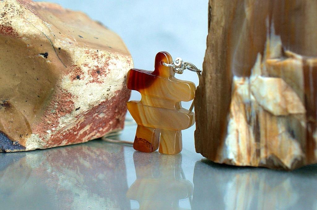 agate gemstone figurine