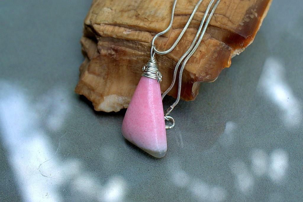 natural pink stone handmade jewelry
