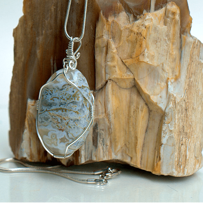 silver wire wrapped agate gemstone