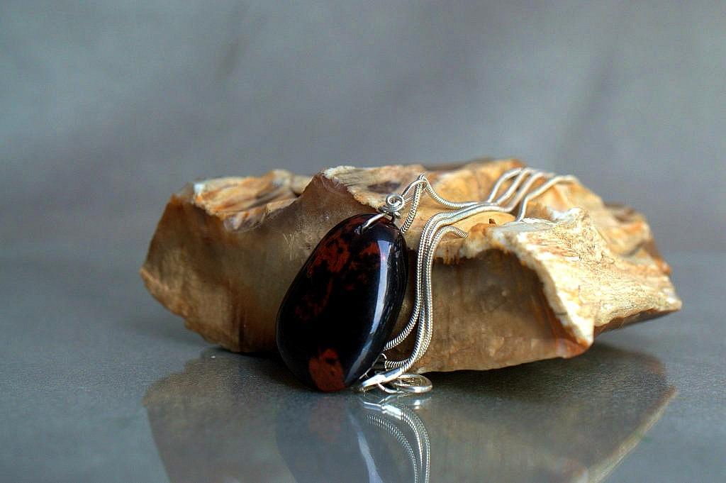 obsidian jewelry