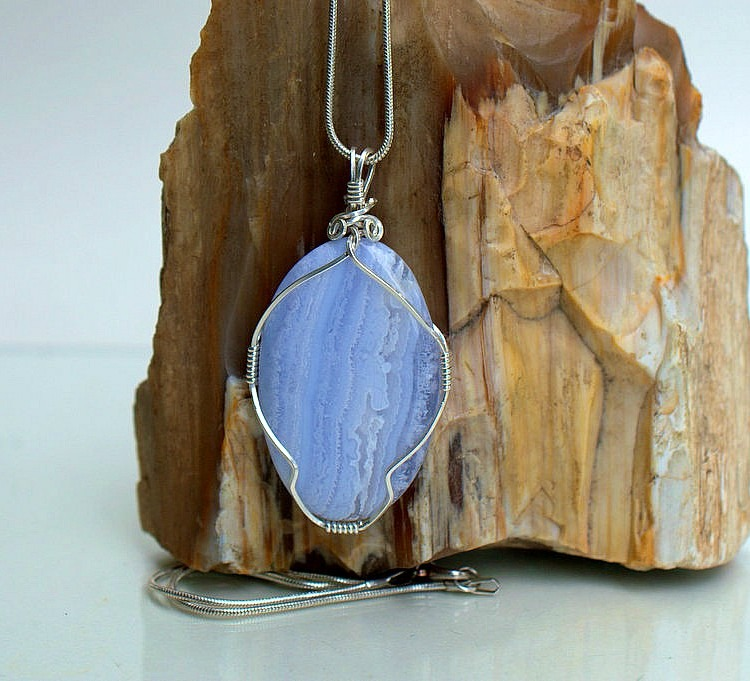 Large oval blue lace agate crystalpendant