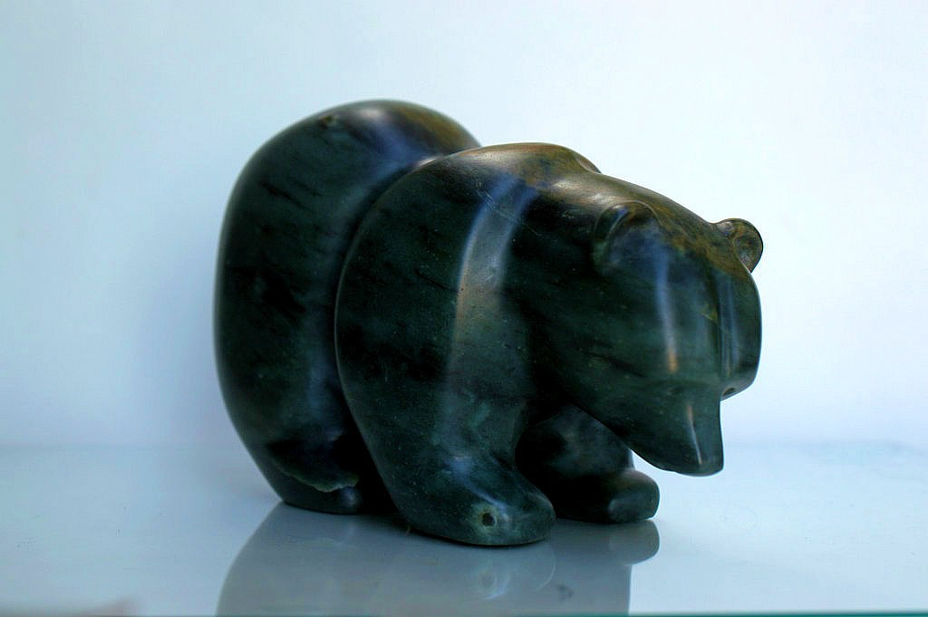 Free standing soapstone carving bear figurine