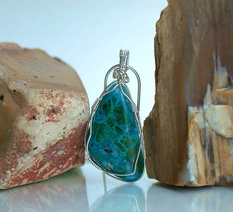 Peruvian blue green gemstone pendant