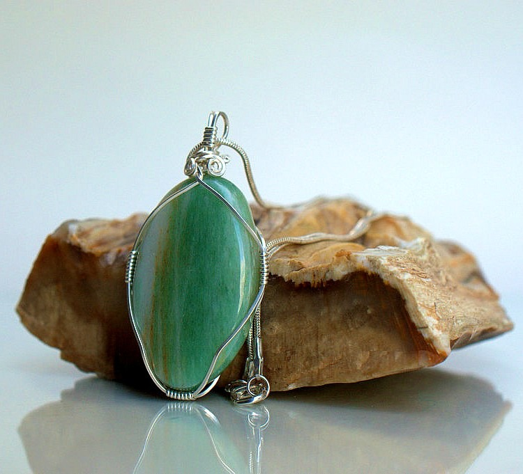 Green mineral stone Aventurine handmade necklace