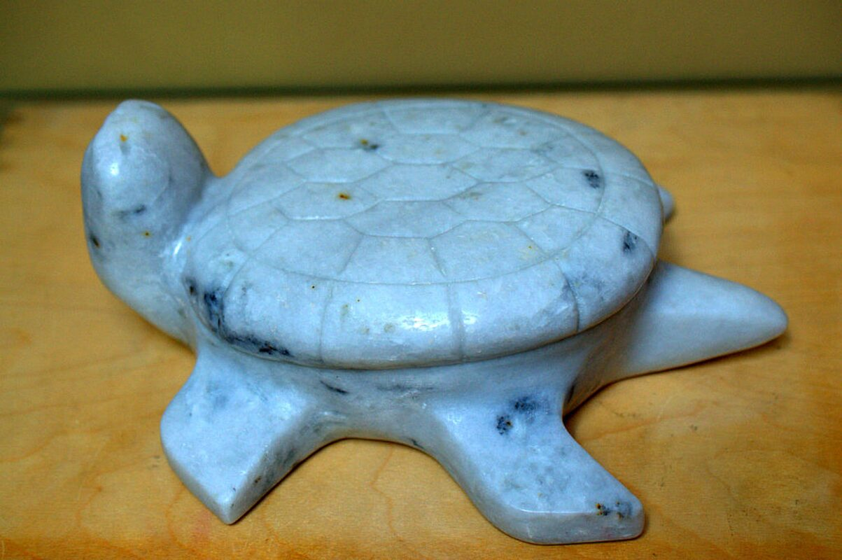Marble turtle small sculpture