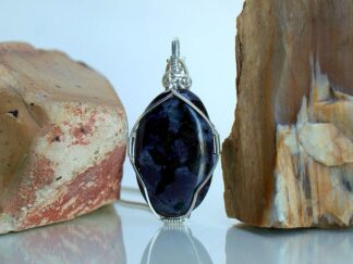 Black spots pattern purple mineral pendant